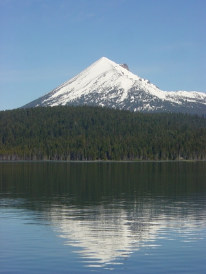 Lake of the Woods view of Mount McCloughlin - Hiking Oregon