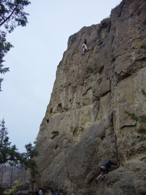 Linda O'Donnell climbing Sting Like a Bee on Rope De Dope Block - Smith Rock - Climbing Oregon
